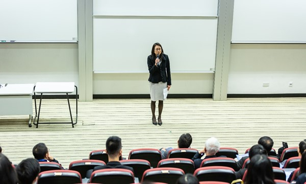 Presentation Skills (for International Students)